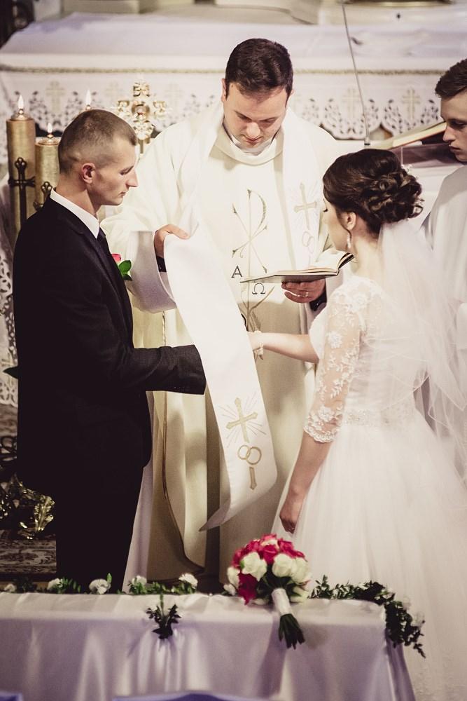 Fotografie z ceremonii ślubnych -10