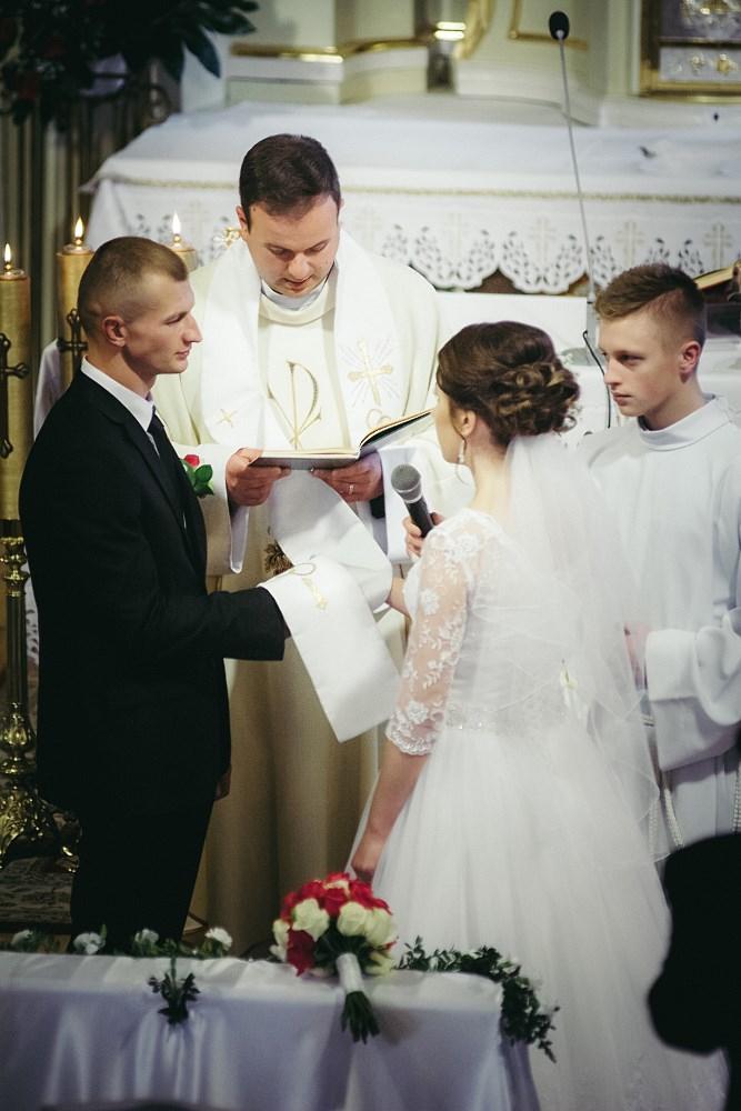 Fotografie z ceremonii ślubnych -11