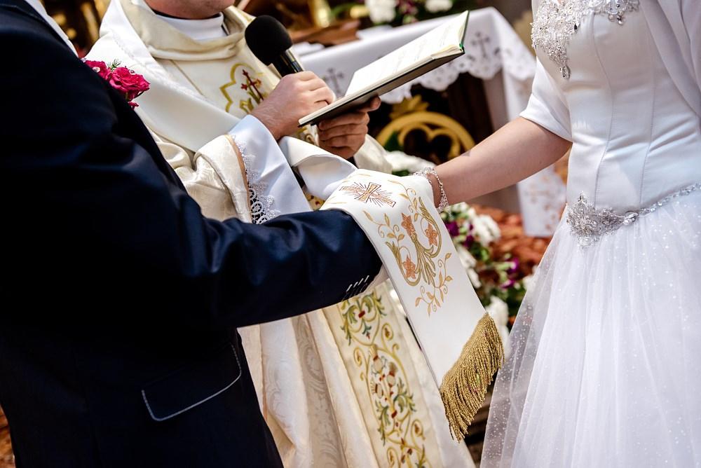 Fotografie z ceremonii ślubnych -12