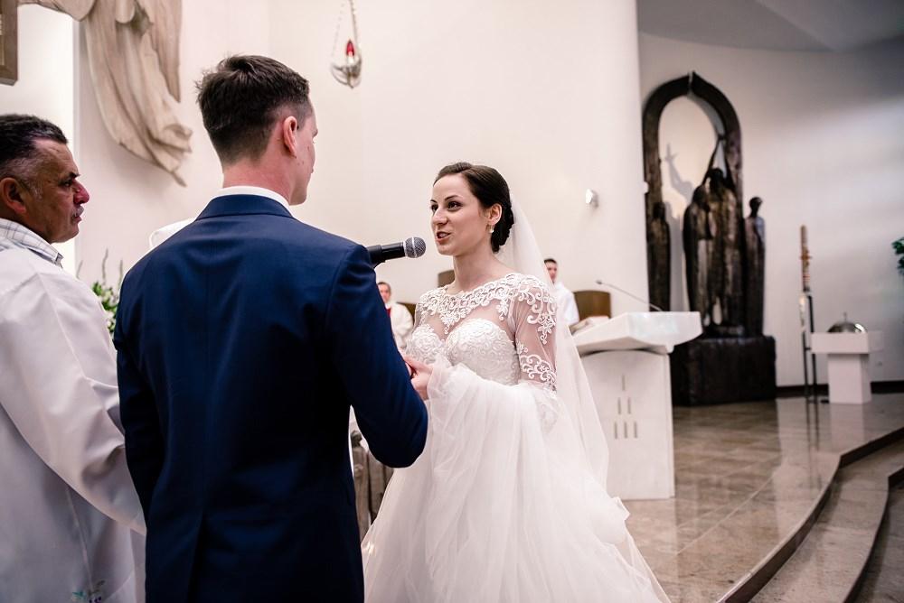 Fotografie z ceremonii ślubnych -16