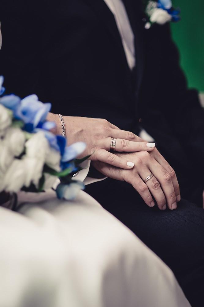 Fotografie z ceremonii ślubnych -18