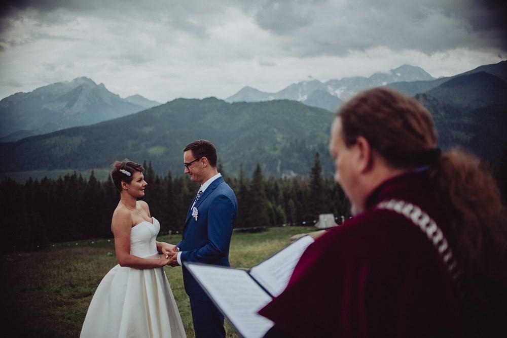 Plenerowy ślub na Rusinowej Polanie