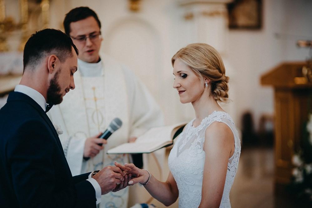Ślub w Tokarni i wesele w Dworku Fantazja 37