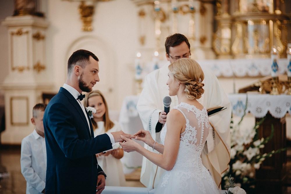 Ślub w Tokarni i wesele w Dworku Fantazja 38