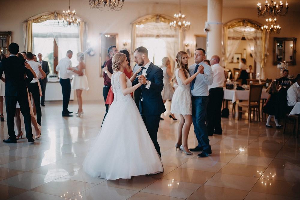 Ślub w Tokarni i wesele w Dworku Fantazja 61