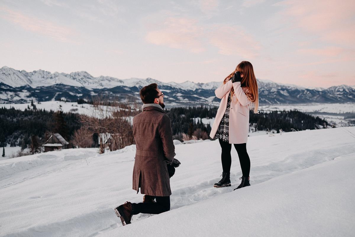 Sesja zaręczynowa w górach zimą2