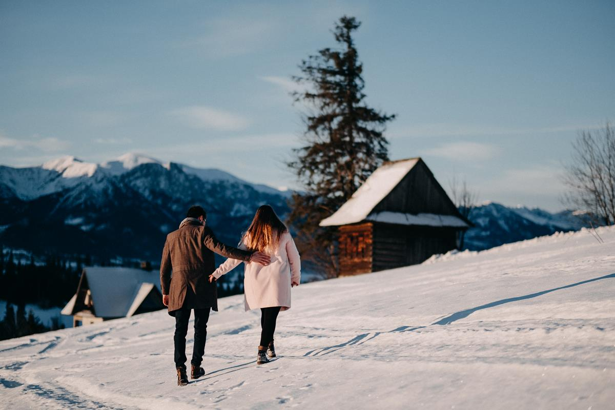 Sesja zaręczynowa w górach zimą32