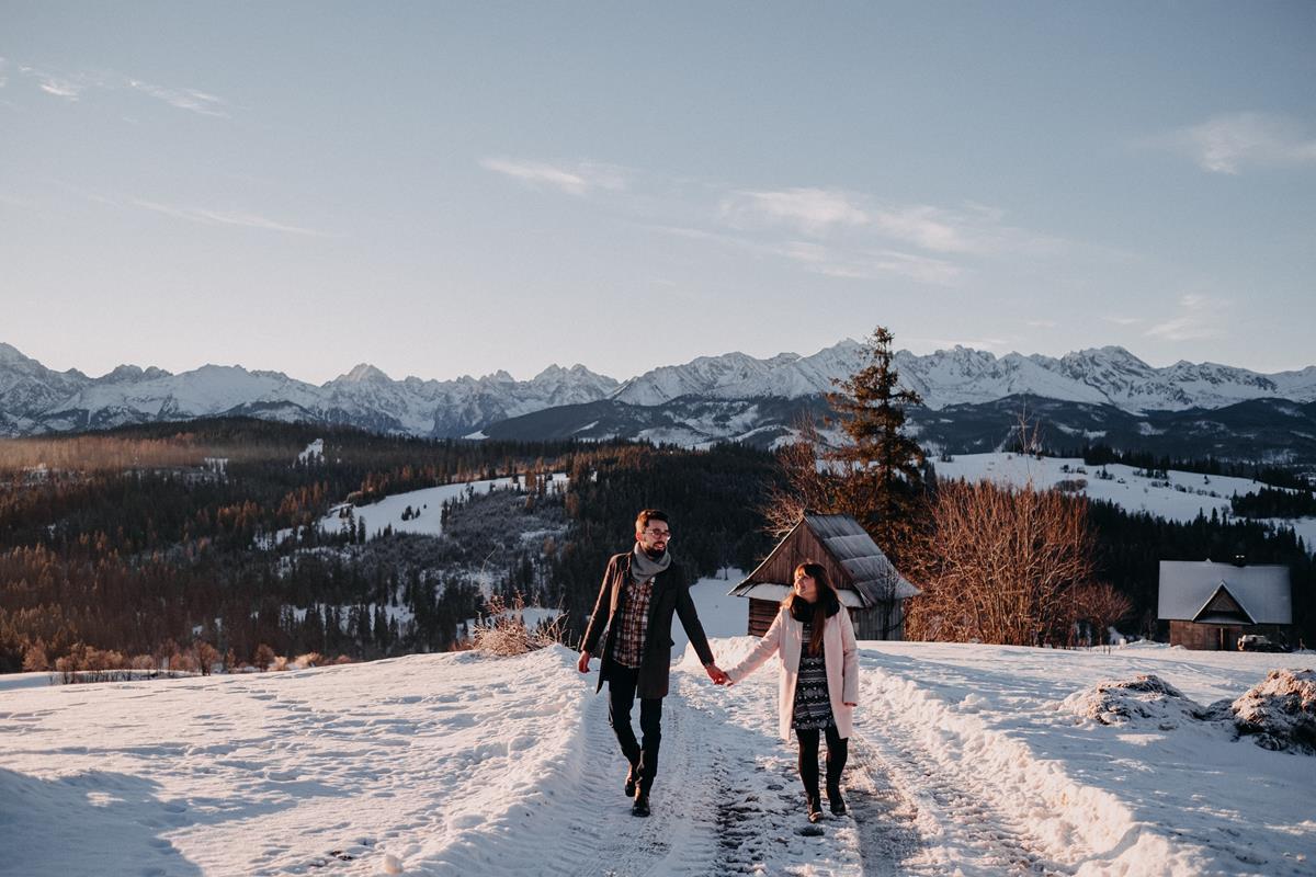 Sesja zaręczynowa w górach zimą40