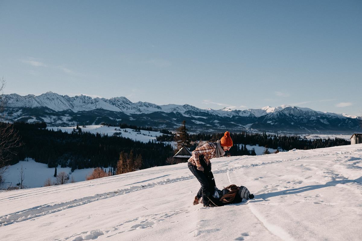 Sesja zaręczynowa w górach zimą48